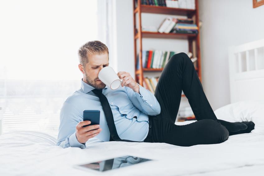 home office diese gesundheits und sicherheitsaspekte sollten sie bei der einrichtung beachten. Black Bedroom Furniture Sets. Home Design Ideas