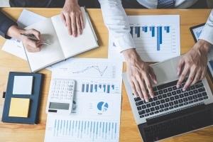 Um Gründerzuschuss zu erhalten, brauchen Sie einen Businessplan.