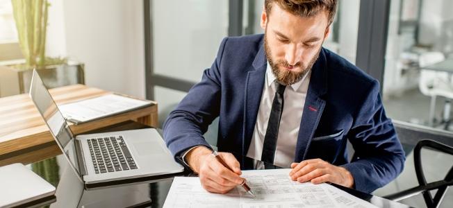 Einzeln oder als Pauschale: Wie Sie Bewerbungskosten in der Steuererklärung angeben, ist Ihnen überlassen.