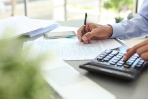 Sie können Ihre Arbeitskleidung in der Steuererklärung auch als Pauschale angeben.