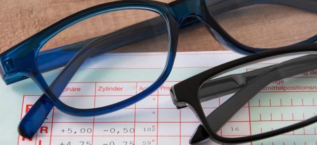 Können Menschen mit Sehschwäche von ihrer Steuer auch die Brille absetzen?