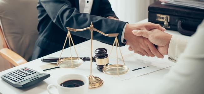 Kann ich meine Anwaltskosten steuerlich absetzen?