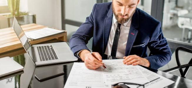Versicherung: Der Abschluss einer Berufshaftpflicht ist für Steuerberater Pflicht.