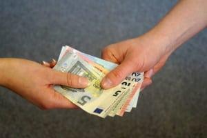 Außerordentliche Einkünfte müssen Sie für die Steuer gesondert berechnen.