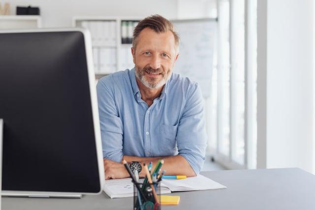 Büroschreibtisch für Freiberufler kaufen: Tipps und Ratgeber