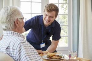 Das Sozialversicherungssystem deckt auch Pflegesituationen ab.