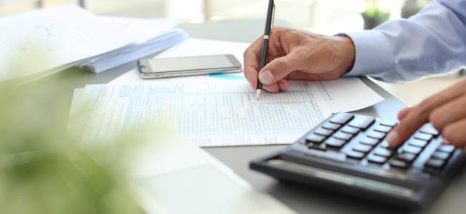 Die Mehrwertsteuer ist eine indirekte Steuer und eine der wichtigsten Einnahmequellen des Staates.