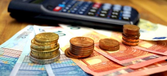 Ist es möglich, von der Mehrwertsteuer befreit zu werden? Diese Frage stellen sich viele Selbständige.