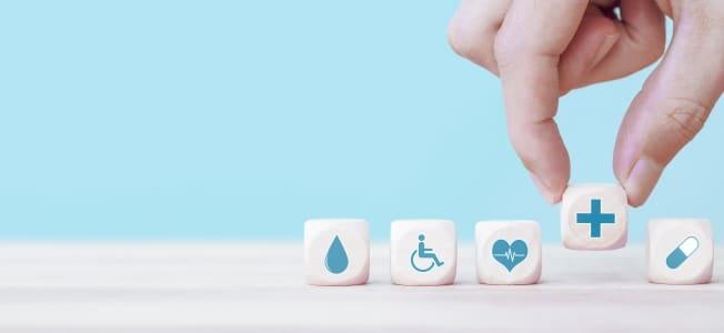 Krankenversicherung: Eine freiberufliche Tätigkeit entbindet Sie nicht von der Versicherungspflicht.