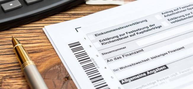 Möchten Freiberufler Telefonkosten von der Steuer absetzen, müssen sie diese in die Anlage EÜR eintragen.